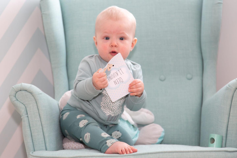 Lapse üheteistkümnes kuu ehk Poiku esimene sõna on aitäh